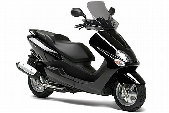 Yamaha India to launch gearless scooters for men in 2013